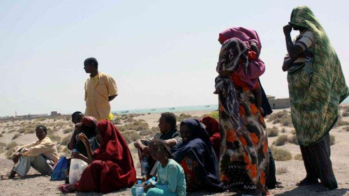 © لاجئون عالقون بالقرب من ساحل البحر الأحمر (مركز أنباء الأمم المتحدة)